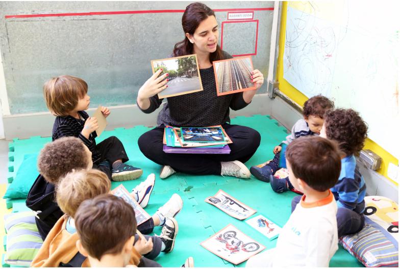 Colégio Oswald de Andrade Educadora com Crianças